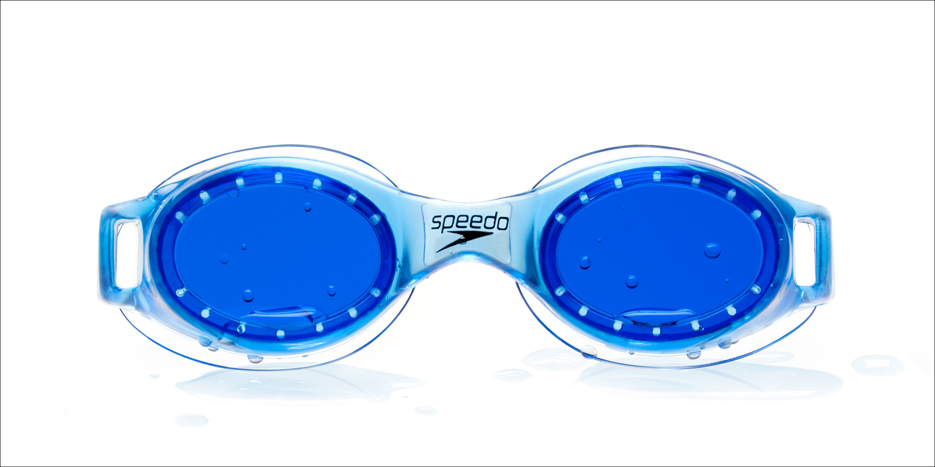 Blue Speedo goggles.